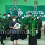 PPP Jombang Bagi-bagi Sembako dan Cairan Disinfektan
