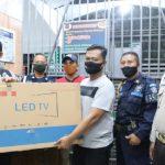 Tingkatkan Sinergitas, Polres Jombang Bantu Lapas LCD Monitor CCTV