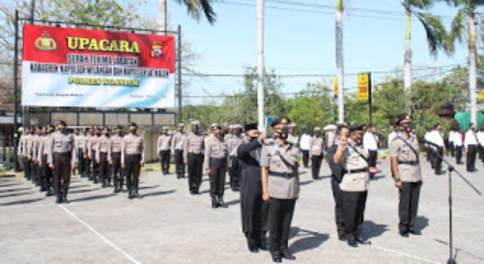Kapolres Nganjuk Pimpin Sertijab Kabagren Dan Kapolsek Jajaran