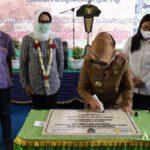 Bupati Dan DPR RI Serah Terima Bantuan Program Kotaku di Jombang