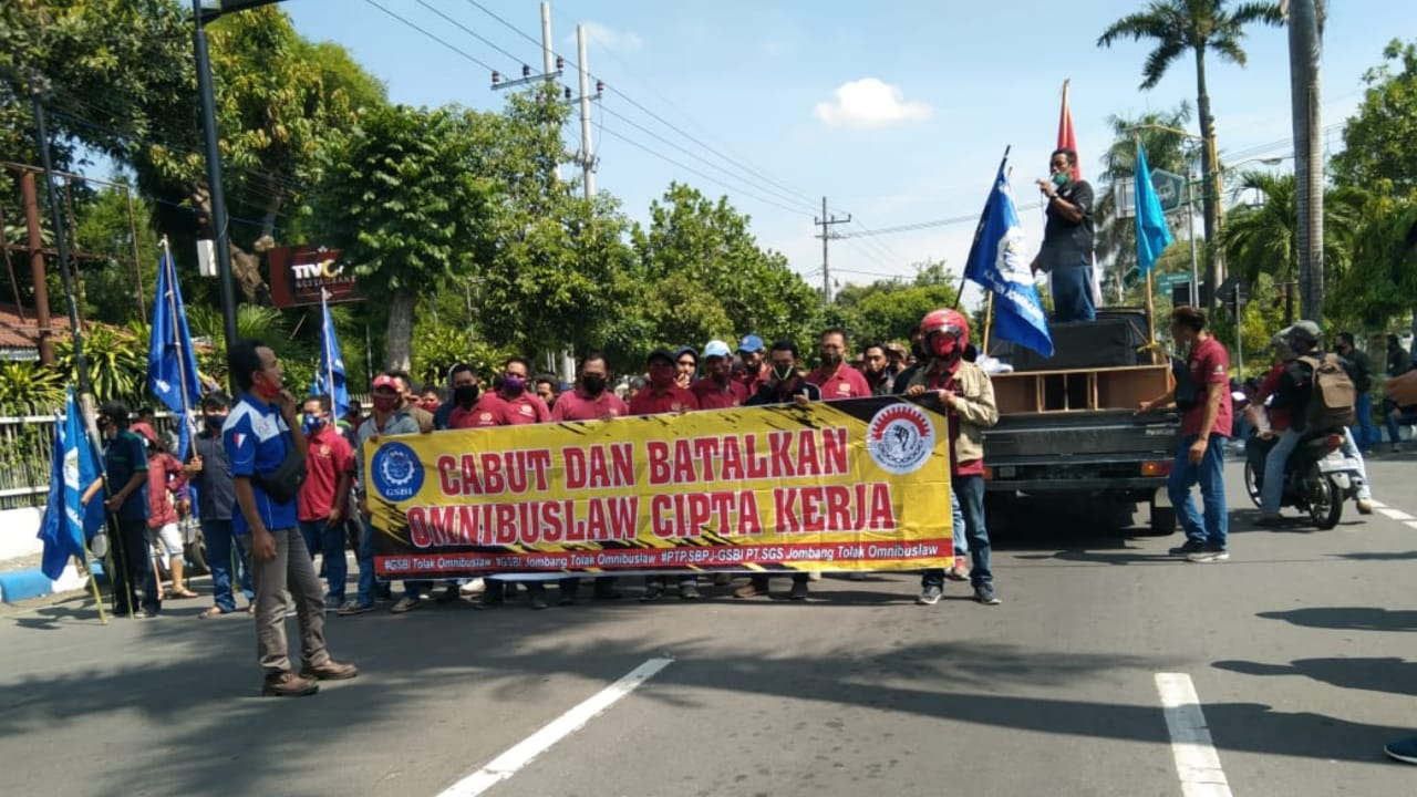 Buruh di Jombang Demonstrasi Tuntut Kenaikan UMK 2021