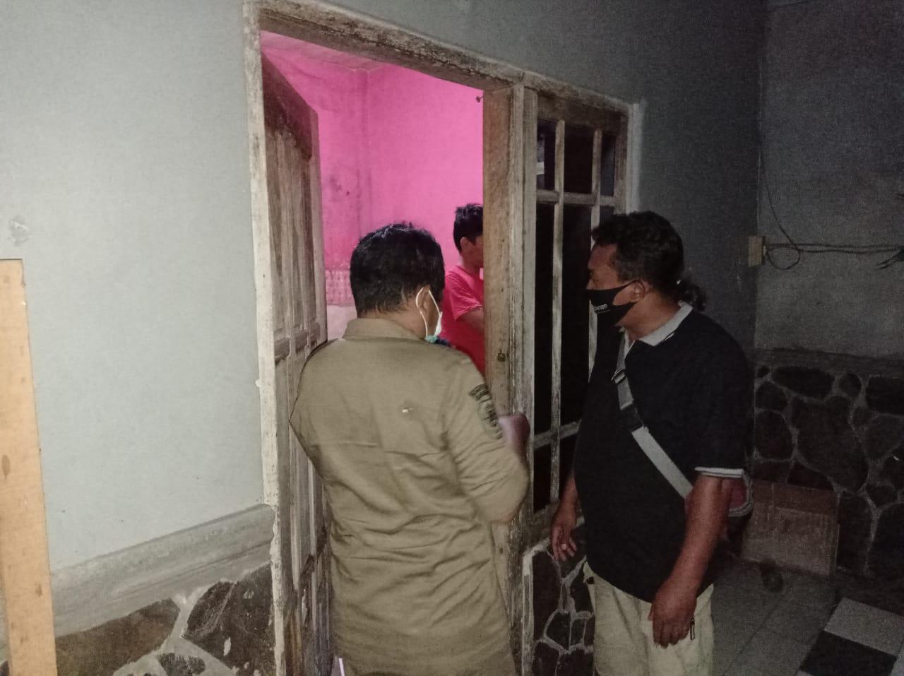 Pintu Dikunci, Muda Mudi Mesum di Kos Terciduk Satpol Kota Kediri