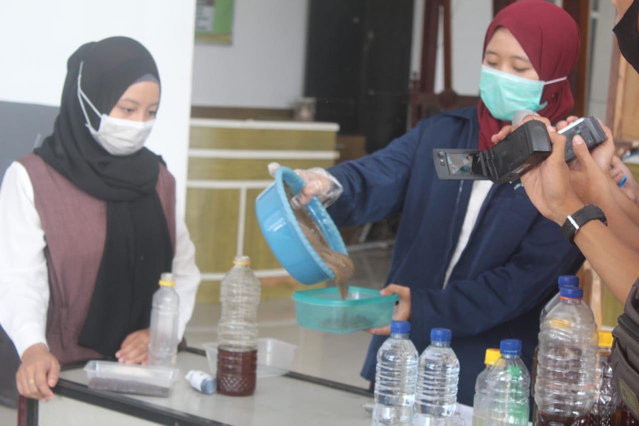 Mahasiswa di Jombang Bikin Sabun Cuci Tangan Dari Minyak Jelantah