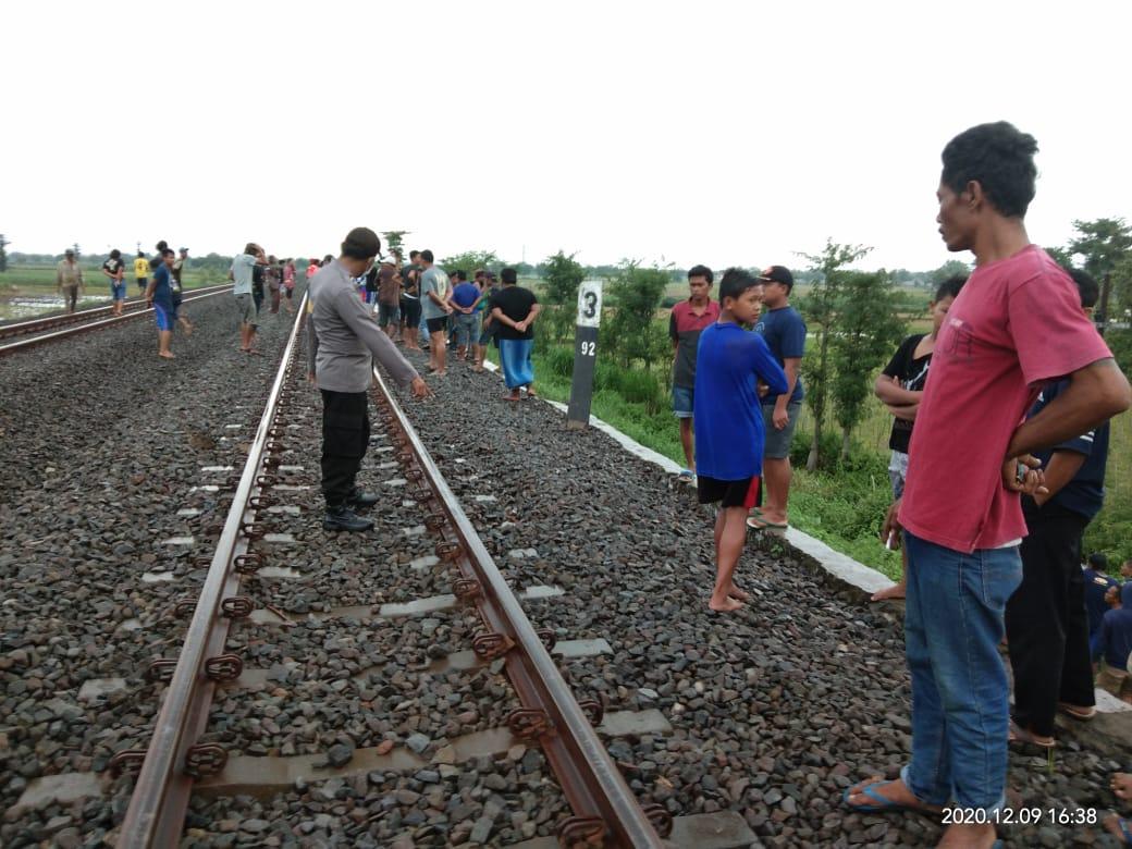 Kakek Pencari Kayu Tewas Tersambar Kereta Api Jayakarta di Jombang