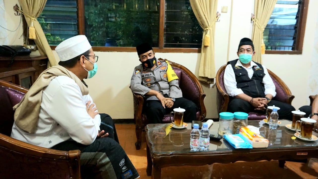 Silaturahmi ke Ponpes Bahrul Ulum, Polres Jombang Ajak Perangi Hoaks