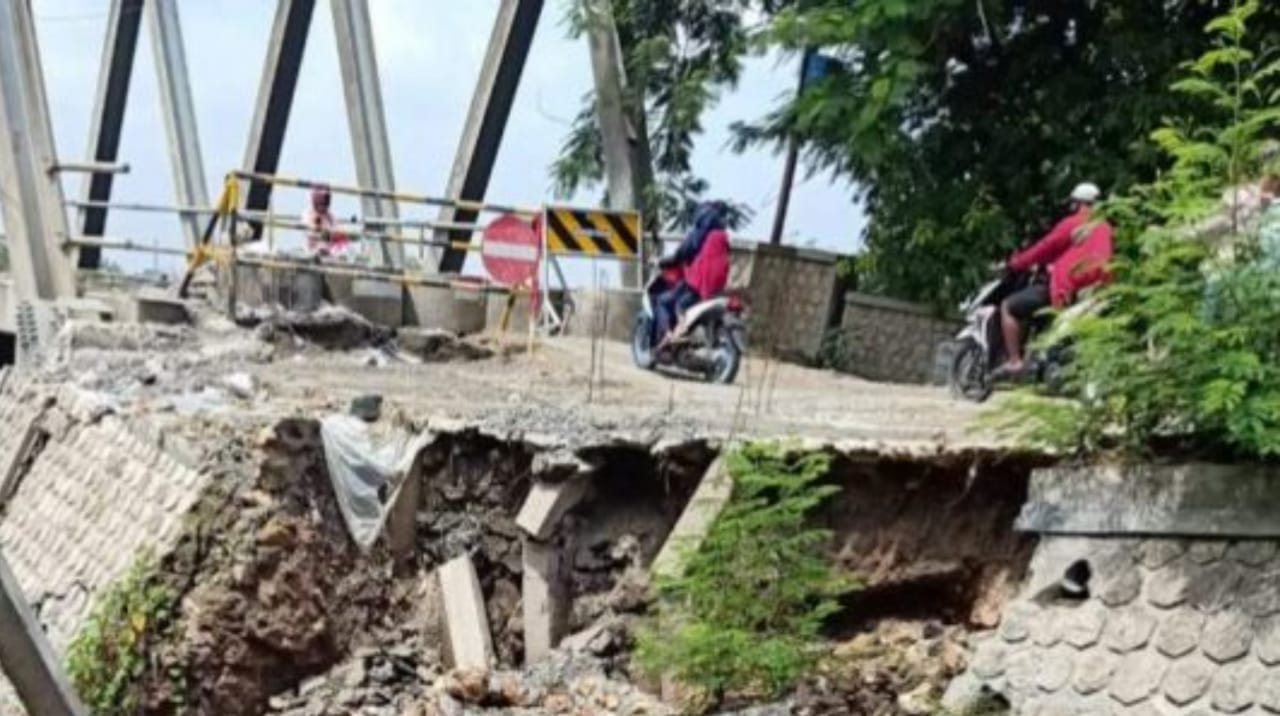 Membahayakan, Jembatan Penghubung Tuban-Bojonegoro Ditutup Total
