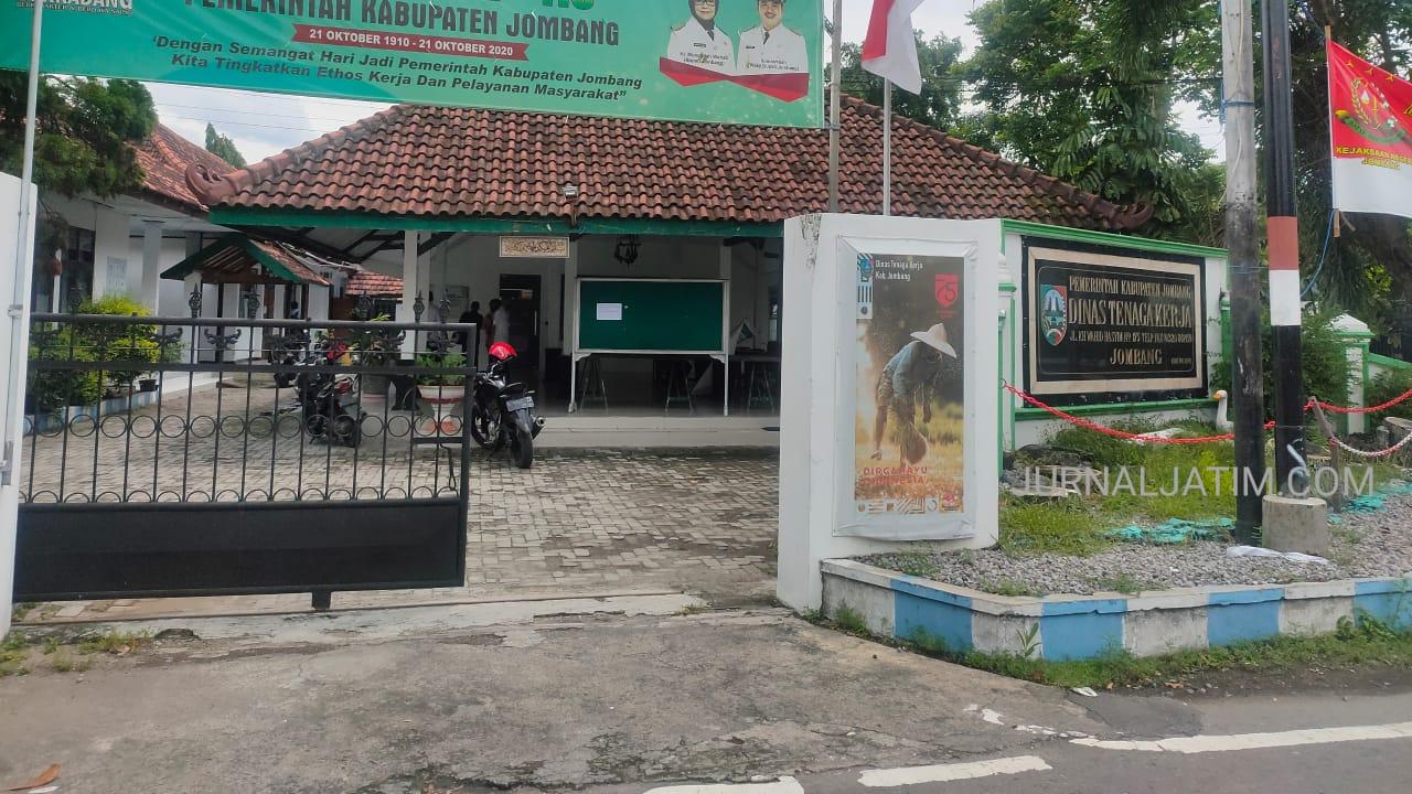 Sekretaris Disnaker Jombang Positif COVID-19, Puluhan Pegawai Diisolasi