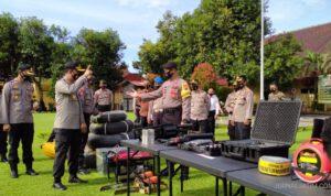 Polisi Jaga RS di Jombang Antisipasi Bawa Paksa Jenazah COVID-19