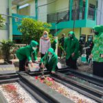 PPP Jombang Ziarah Makam Pencetus Lambang Kabah KH Bishri Syansuri