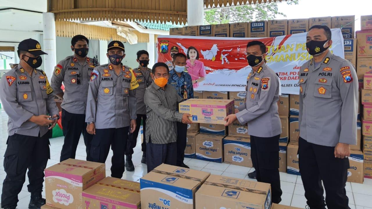 Polda Jatim Salurkan Bantuan Korban Gempa dan Banjir Hingga Rp8 Miliar