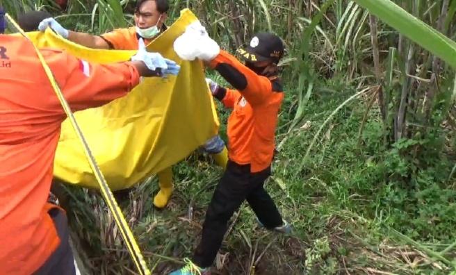 Polisi Tunggu Hasil Autopsi Mayat Perempuan di Ladang Tebu Jombang