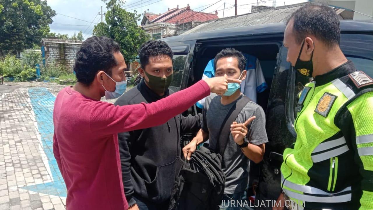 Buang Sabu ke Jalan, Pengemudi Gran Max Diamankan Polisi Tuban