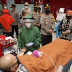 Kapolda Jatim Cek Anggota Donor Plasma Konvalesen di PMI Surabaya