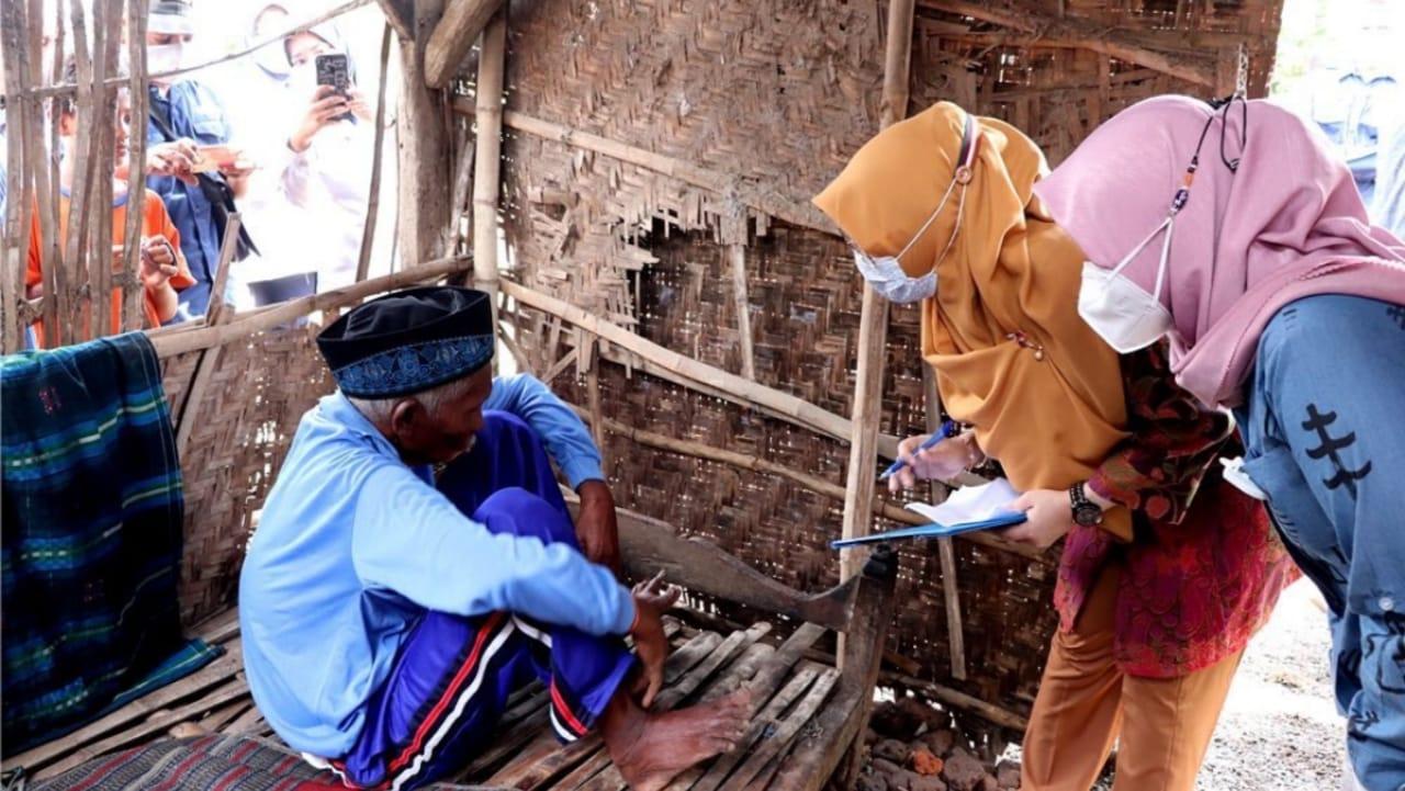 Kakek Lumpuh Dan Sebatang kara di Nganjuk Dievakuasi ke Panti Sosial