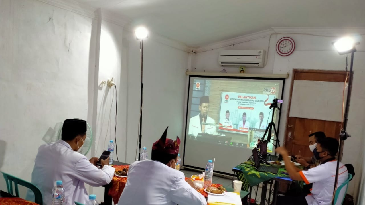 Pengurus DPD PKS Jombang Resmi Dilantik, Target 15 Persen Kursi DPRD