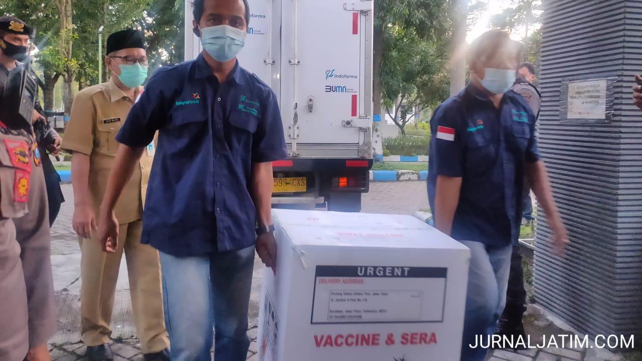 Vaksin COVID-19 Tahap 2 Tiba di Jombang, Ini Sasaran Pertama Vaksinasi