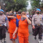 Dirilis Polisi, Bandar Sabu Sekeluarga di Jombang Menangis Sesenggukan