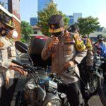 Kapolda Jatim Serahkan 250 Motor dan 2 Ambulans ke Babhinkamtibmas