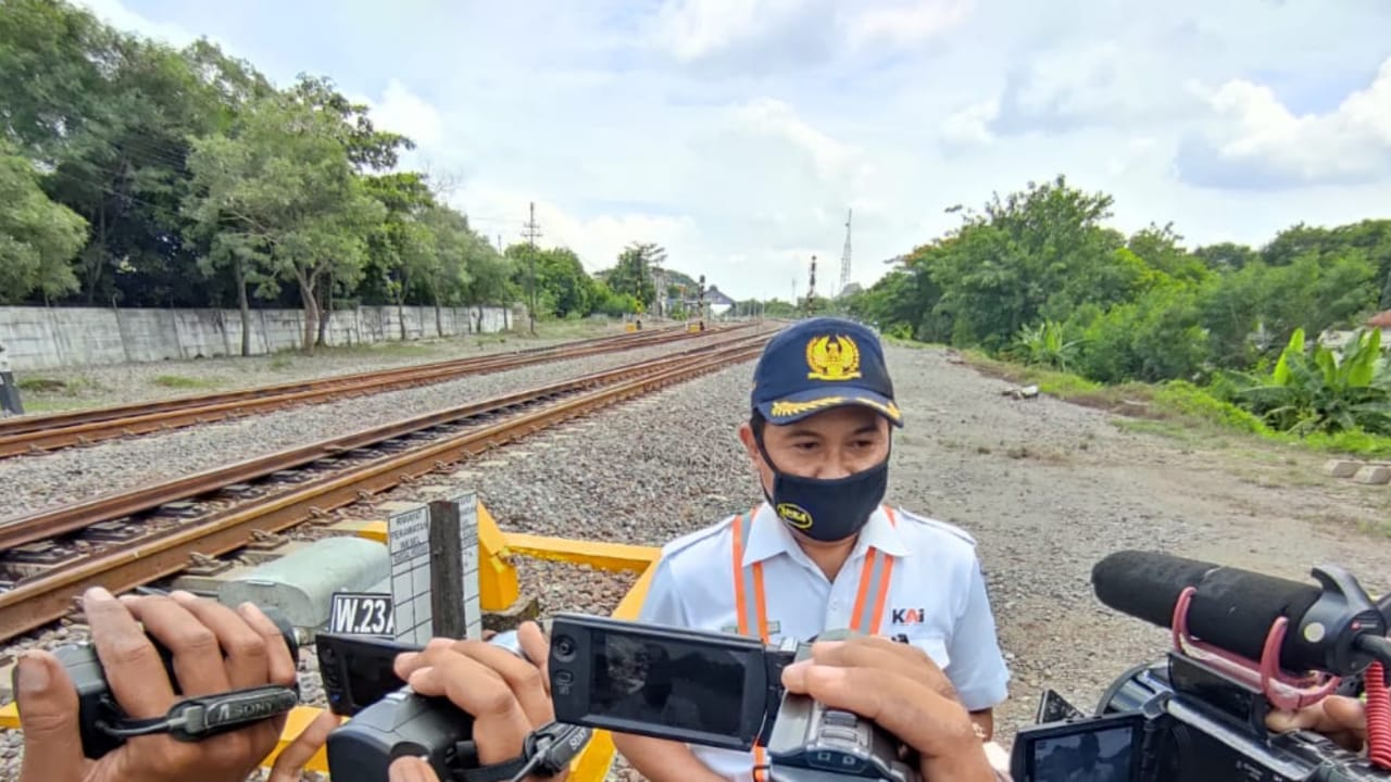 KAI Daop 7 Pastikan Perjalanan Kereta Tak Terganggu Banjir di Jombang
