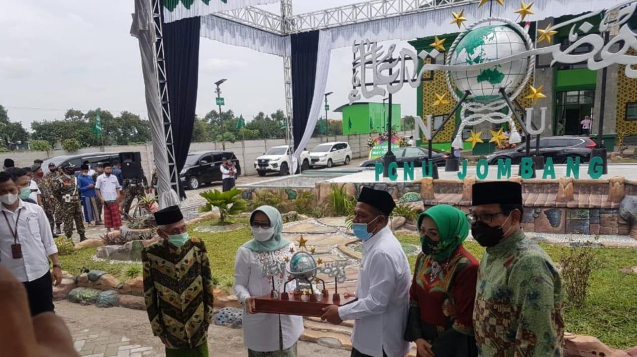 Menteri Desa Halim Iskandar Resmikan Logo NU 4 Dimensi di Jombang