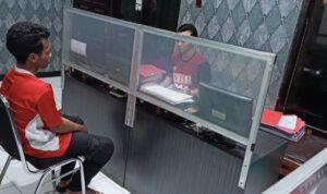Apes, Pemuda Nganjuk Ditangkap Polisi saat Perbaiki HP Curian di Counter