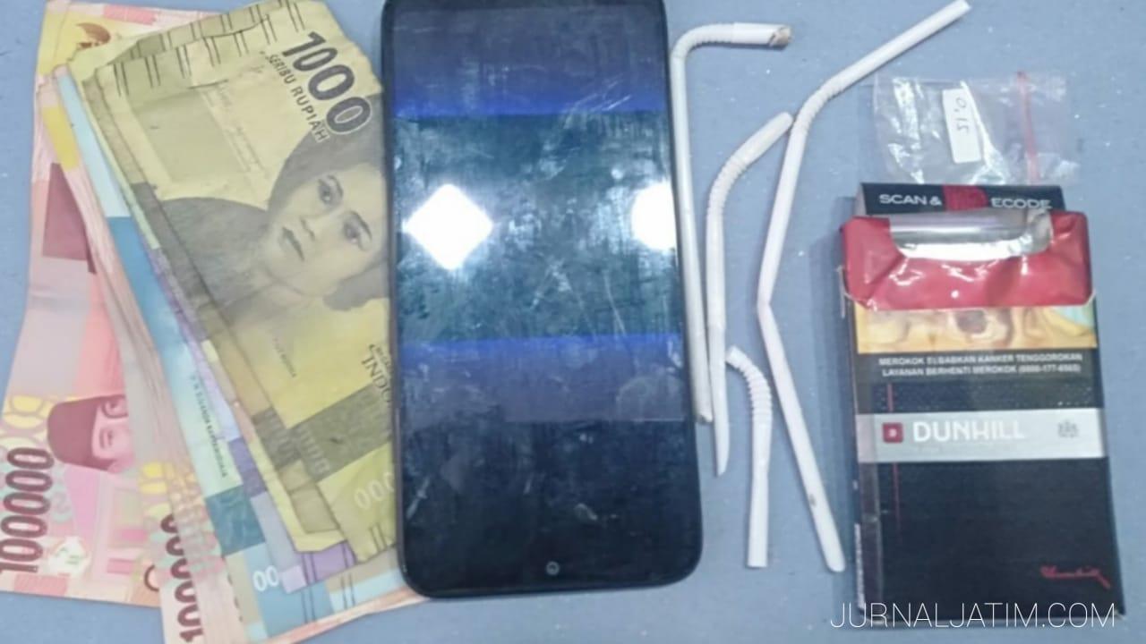 Polisi Nganjuk Tangkap Dua Penjual Kopi Yang Nyambi Edarkan Sabu