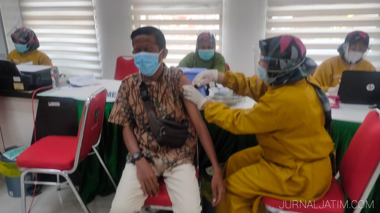 Vaksinasi tahap pertama wartawan Jombang sempat kabur, kedua lancar