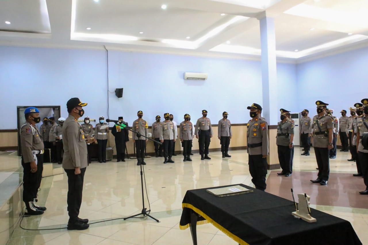 Kapolres Jombang Pimpin Sertijab Kasat dan Kapolsek Jajaran