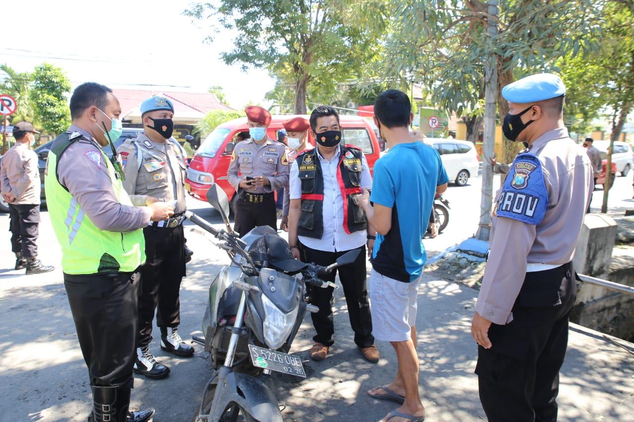 Razia Masker di Jombang, Humanis Tapi Tegas Tindak Pelanggar Prokes Masker di Jombang, Humanis Tapi Tegas Menindak Pelanggar