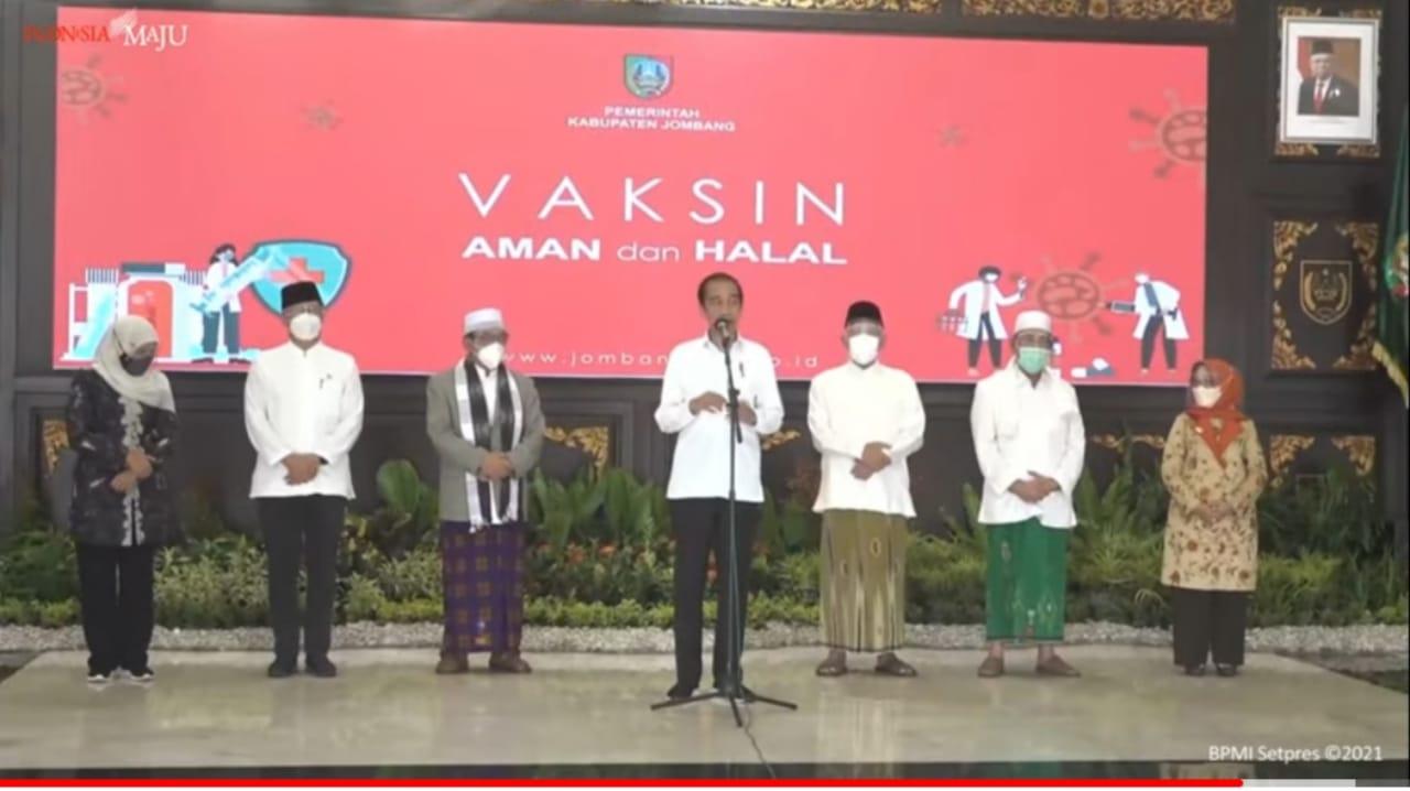 Jokowi Pastikan Proses Vaksinasi di Jombang Berjalan Lancar dan Baik