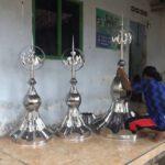 Perajin Mahkota Kubah Masjid di Jombang Banjir Pesanan Bulan Ramadan