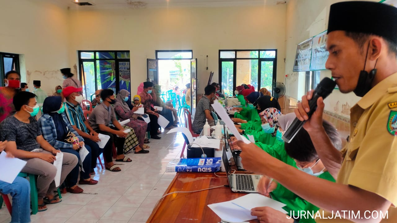 Warga Kampung Kelahiran Bupati Jombang Antusias Divaksinasi COVID-19