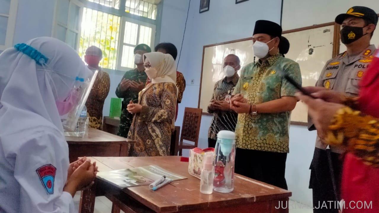 Vaksinasi Guru Belum Selesai, Sekolah Tatap Muka di Jombang 80 Persen