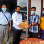 Bentuk Kepedulian, Kasat Reskoba Polres Jombang Jenguk Anggota Sakit