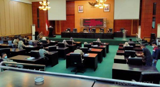 Mangkir Paripurna, 27 Anggota DPRD Jombang Dinilai Kekanak-kanakan