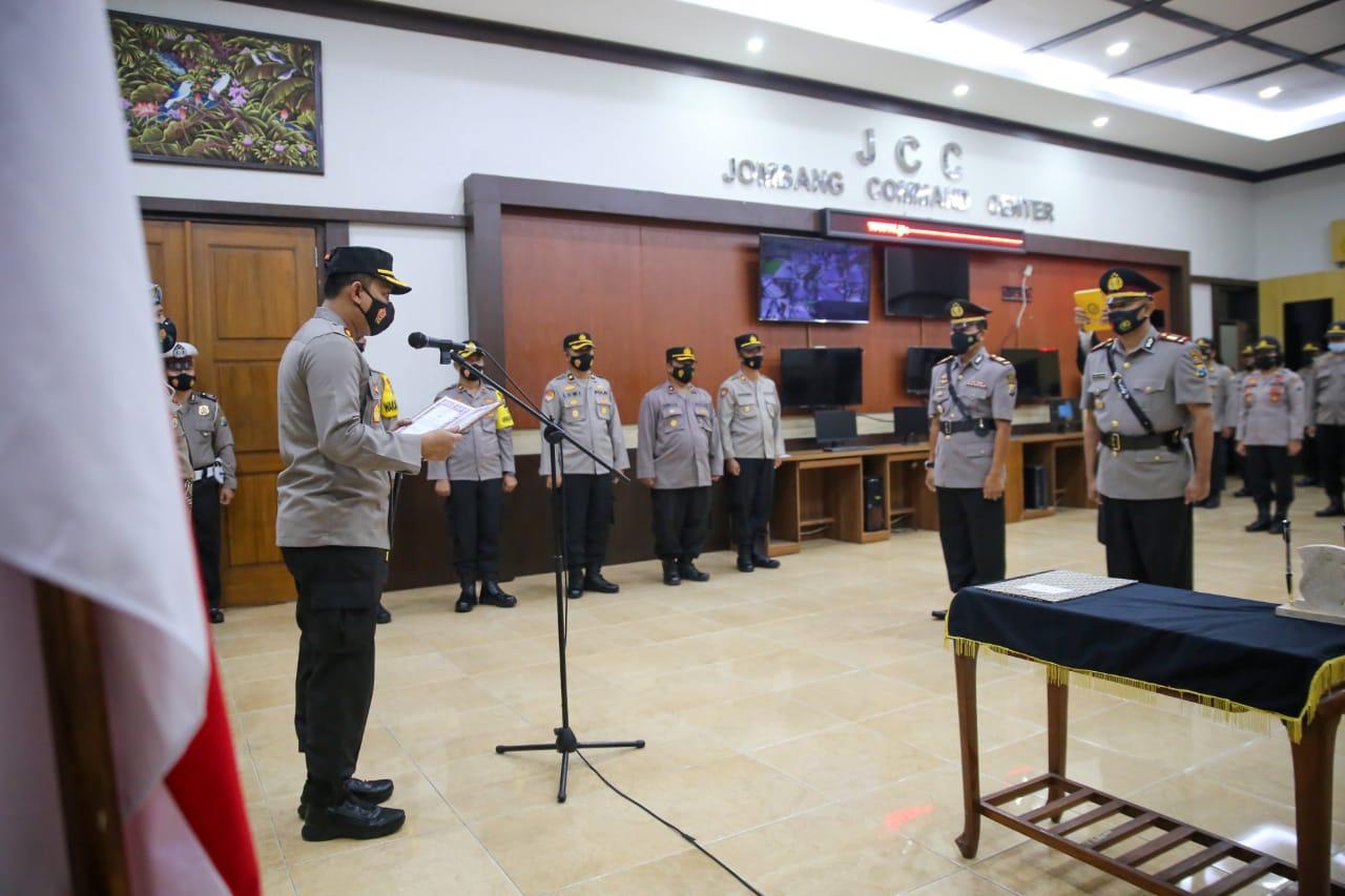 Pesan Kapolres Jombang AKBP Agung Setyo Nugroho lantik dua Kapolsek