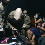 Operasi Yustisi sidak cafe karaoke di Nganjuk temukan miras dan pil koplo