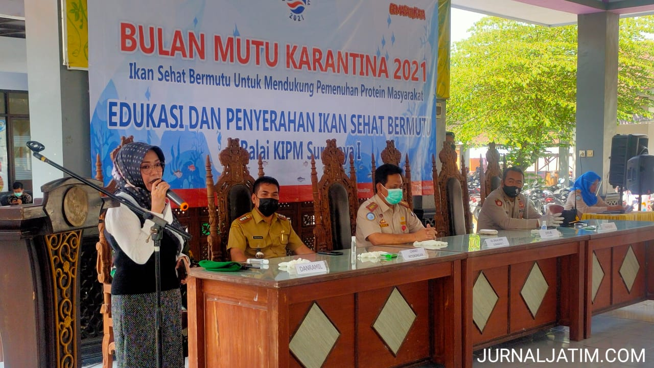 DPR RI Ning Ema Serahkan 150 Paket Ikan Segar untuk Ibu Hamil Jombang