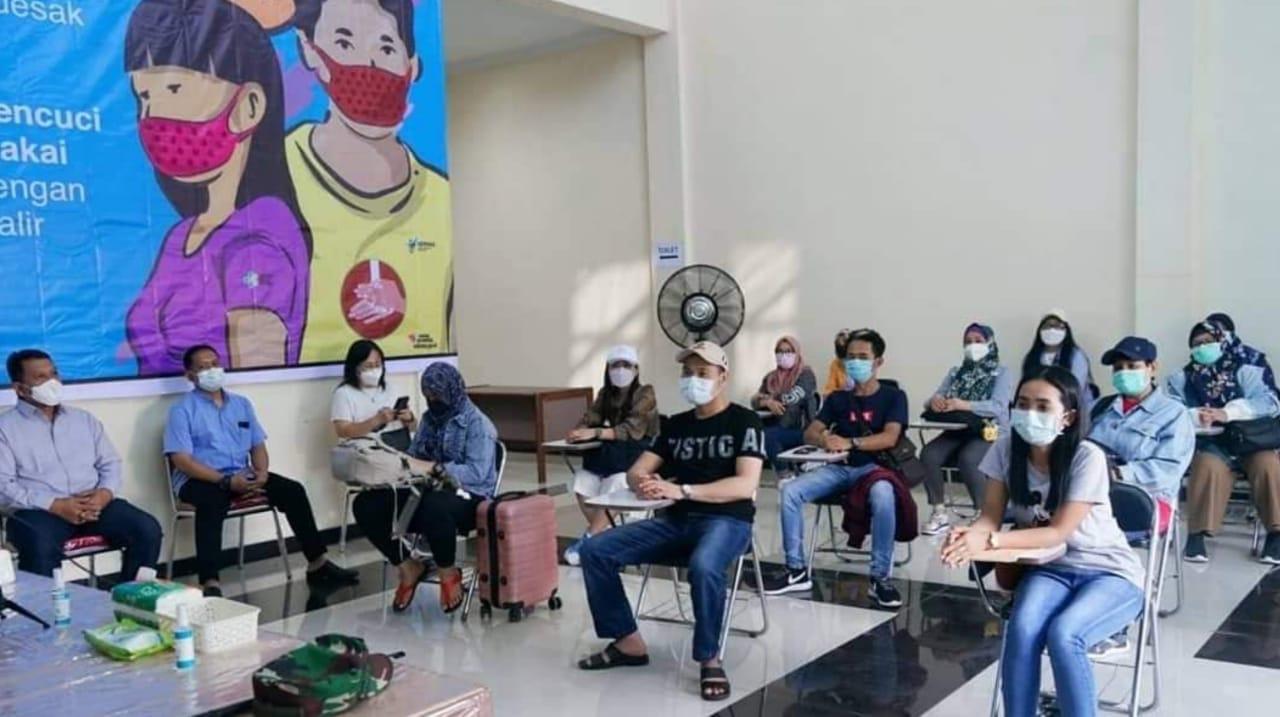 Sebelum Pulang, Belasan Pekerja Migran Asal Magetan Jalani Karantina