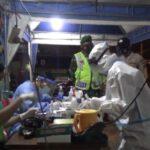 Polisi Sekat Pemudik di Perbatasan Jombang Dengan Tes Antigen