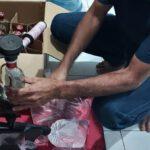 Rumah produksi miras di Kediri digerebek polisi saat pemilik sedang oplos
