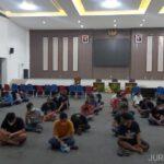97 orang pegawai - pengunjung karaoke terjaring patroli yustisi di Surabaya