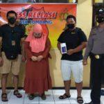 Terekam CCTV Curi HP di Klinik Kecantikan Jombang, Wanita Ini Ditangkap