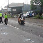 Jalan Menikung, Pengendara Motor Tewas Tabrak Mobil Pikap Jombang