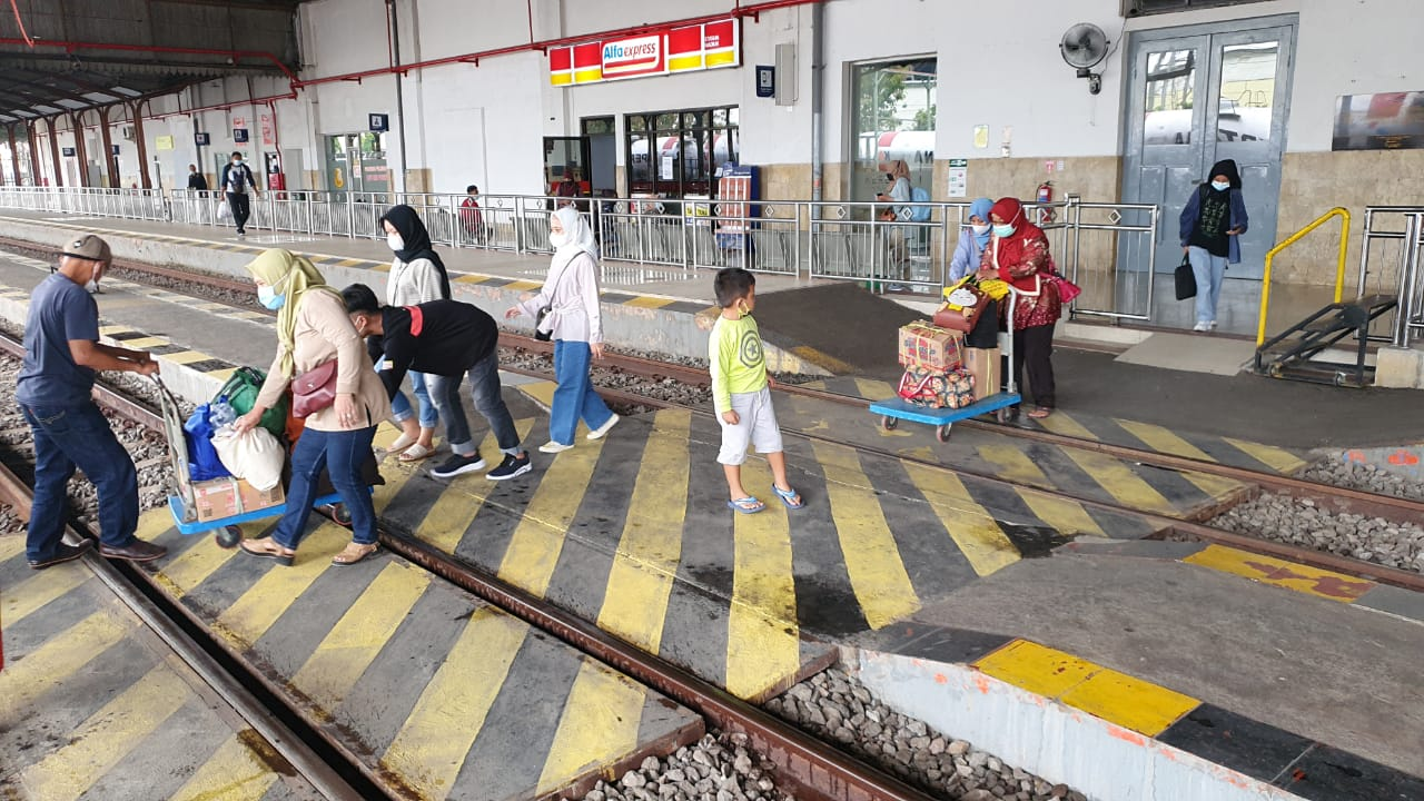 Tren penumpang meningkat, tiga KA tujuan Jakarta diperasikan setiap hari