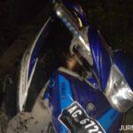 Kecelakaan Kediri, Mobil Pikap Pecah Ban Hantam Pemotor Hingga Tewas