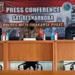 Isak Tangis Nia Ramadhani Sampaikan Maaf Terlibat Narkoba Sabu-sabu