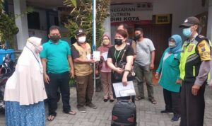 Kepulangan PMI Asal Kelurahan Singonegaran Dijemput BPBD Kota Kediri