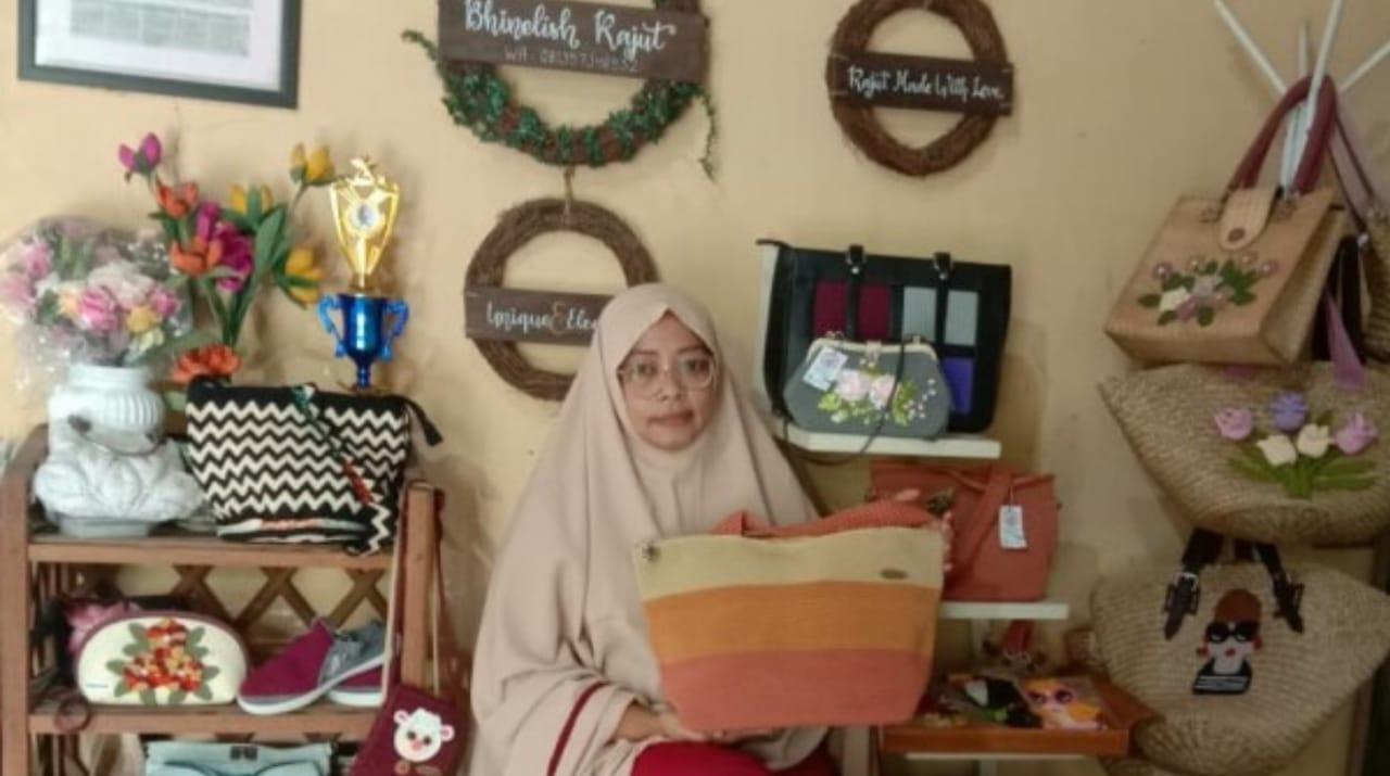 Bhinelish Craft dan Rajut Dorong Ekonomi Perajin di Sukosewu Bojonegoro