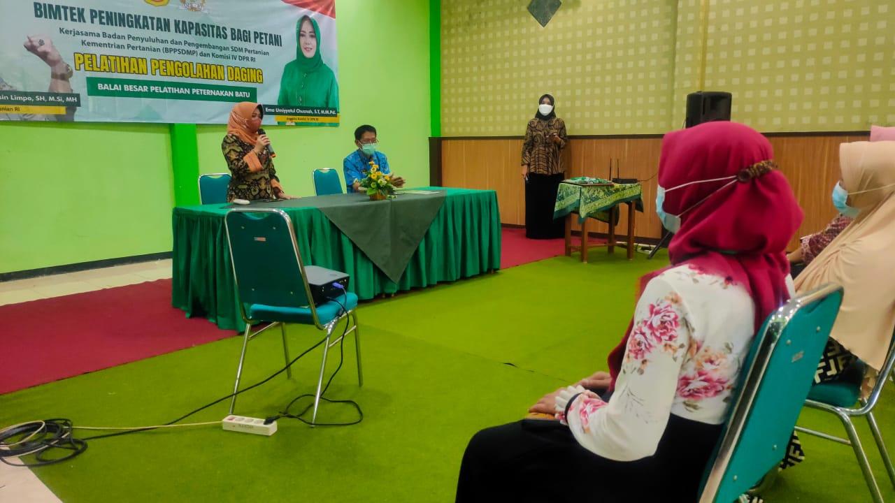 Bantu Pulihkan Ekonomi, Ibu-ibu di Jombang Dilatih Pengolahan Daging